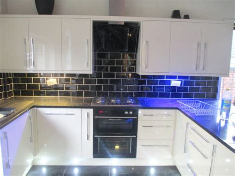 White Metro Tiles Kitchen - black and white kitchen metro tiles