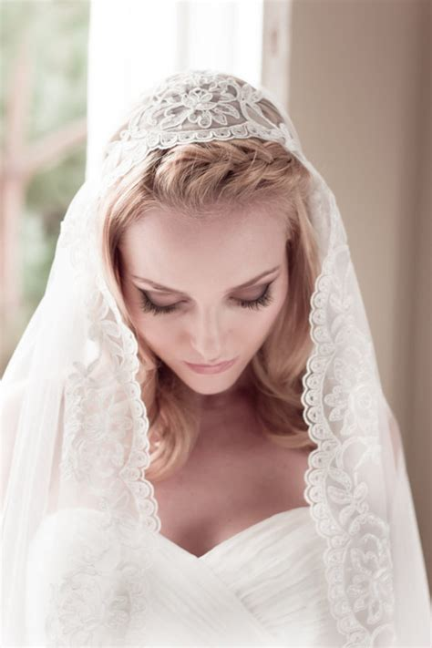 Wedding Hair Net Veil Uk by The Most Stylish Unique Bridal Veils You