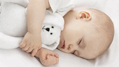 baby 8 monate schlaf 8 tipps f 252 r einen k 252 hlen schlaf babywelten ch