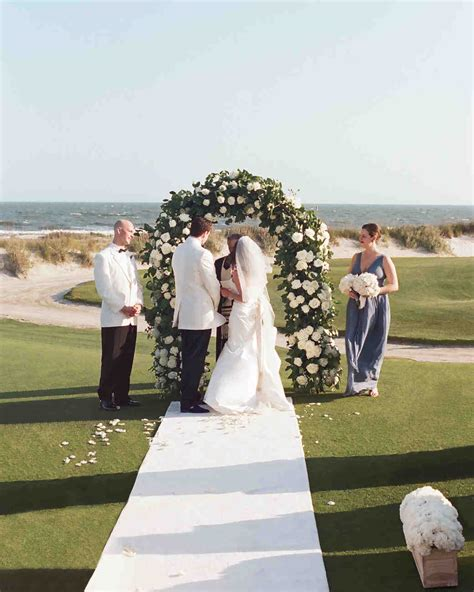 wedding arch trellis 59 wedding arches that will instantly upgrade your