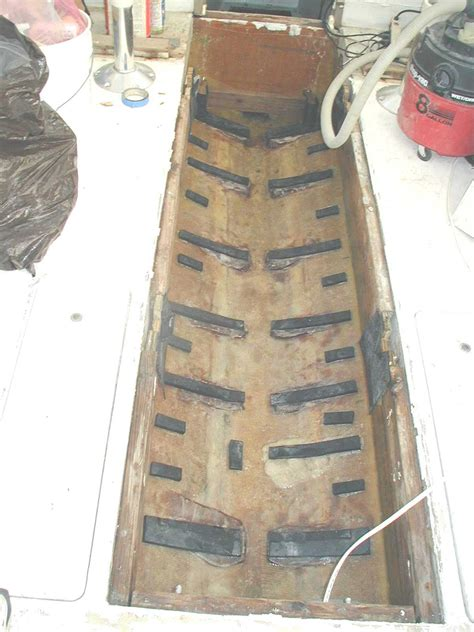 boat gas tank expanding securing underfloor plastic gas tank the hull truth