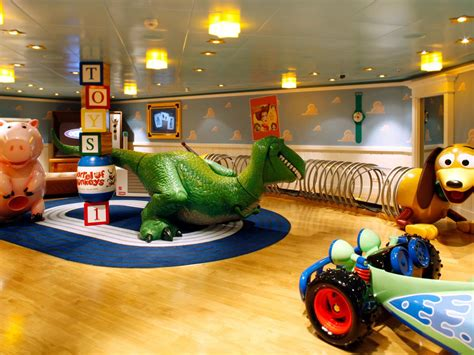 take an all access tour of the disney cruise ship