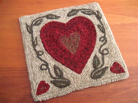 heart pattern rugs hooked rug pattern quot two solitudes quot 12 quot x 12 quot hearts
