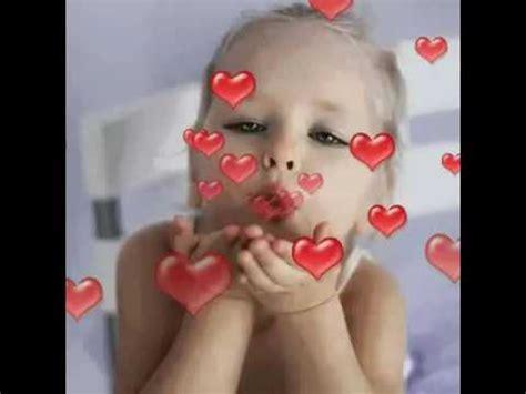 imagenes tiernas tirando besos la ni 241 a besos realidad 1 youtube