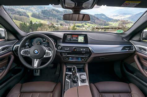 bmw interior 2018 bmw m5 vs m550i xdrive m ed 5s motor trend