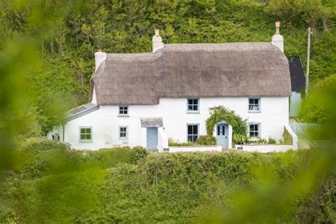 Cadgwith Cove Cottages by The Sea Luxury Self Catering Cottage Cadgwith Cove