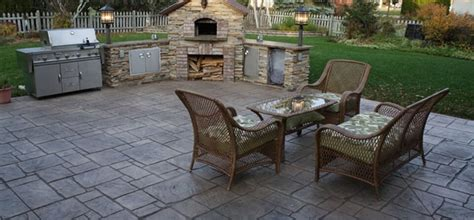 backyard concrete patio sted concrete patio ideas gardening flowers 101