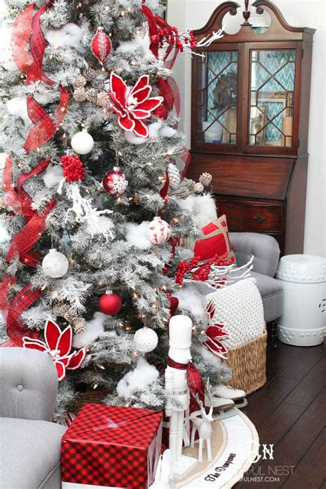 great themes for christmas decorating classic and white tree decorating ideas
