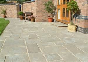 Patio Slabs by Courtyard Paving Old Grey Oakham Pattern Patio Pack