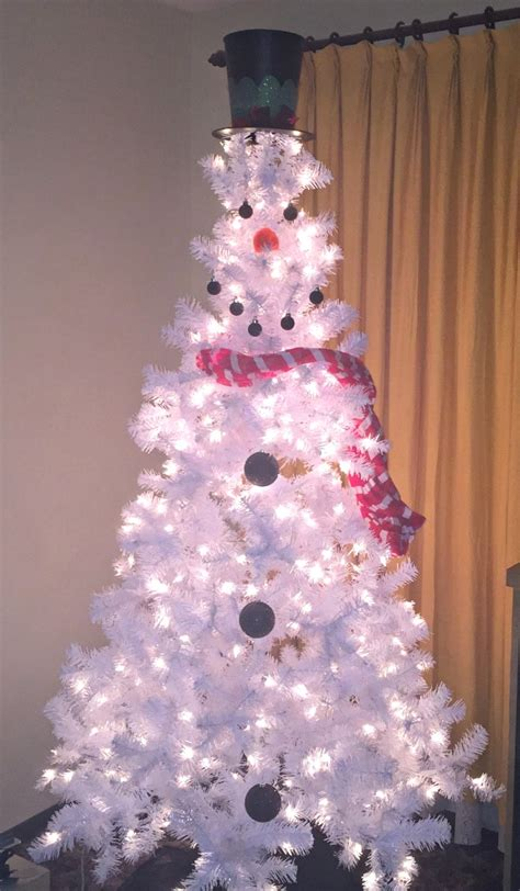 christmas tree decorated with snowmen how to make a snowman tree just plum