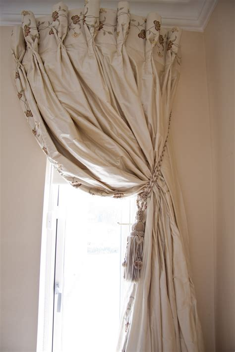 finestre a soffitto oltre 1000 idee su tende a soffitto su
