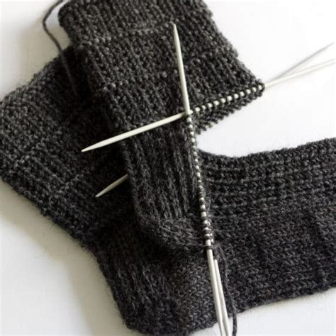 easy knit sock pattern easy sock knitting pattern for happy knitting