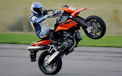 masauestue duvar kagitlari hd motorsiklet resimleri