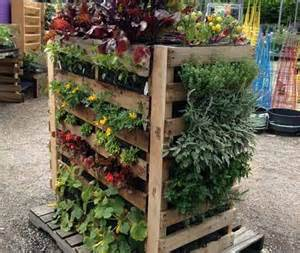 Vertical Garden With Pallets Wooden Pallet Vertical Garden Ideas Recycled Things