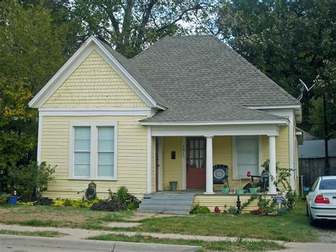 Small Home Images Small House Fairmount A Quaint House In