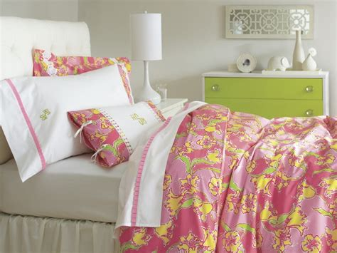lilly pulitzer bedding collections lilly pulitzer sister floral s bedding collection my new room pinterest