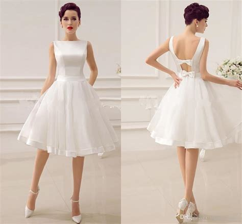 2017 Simple Cheap Short Wedding Dresses Ball Gown Bateau Open Back Bows Satin Edge Tulle Skirt