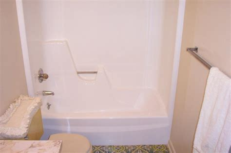 how to tell if a bathtub is fiberglass or acrylic fiberglass tub refinishing in indianapolis and surrounding