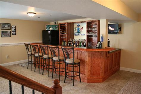 Basement Bar Tops by Basement Remodeling Ideas Building A Basement