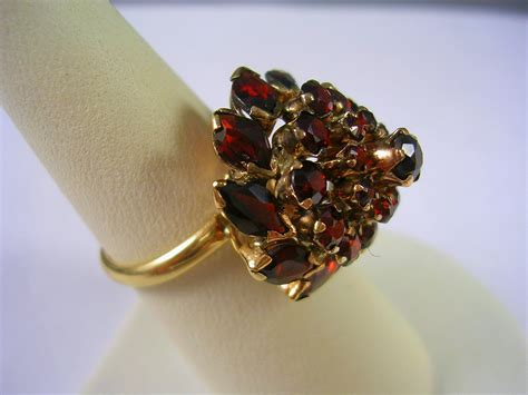 vintage garnet thai princess or harem ring 14k yg size 7