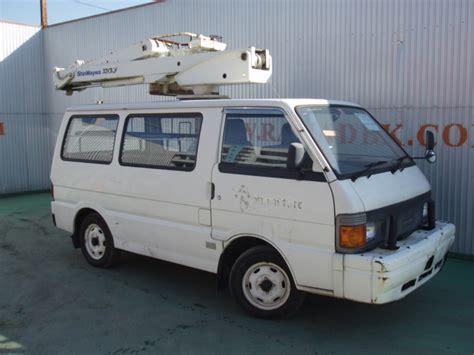 mazda 3 van mazda bongo van with man lift machine 2004 used for sale