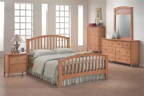 maple bedroom sets 09170 san marino bedroom set in maple finish by acme