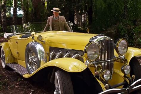 theme of yellow in the great gatsby quot i d seen it everybody had seen it it was a rich cream