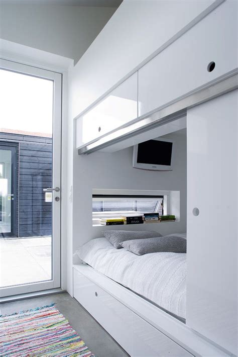 Bed Inside Wardrobe by Bed Inside Closet You Re Homey
