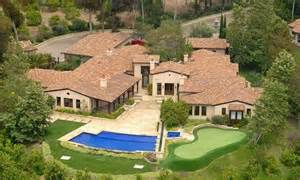 phil mickelson s 9 500 square foot home is on the market