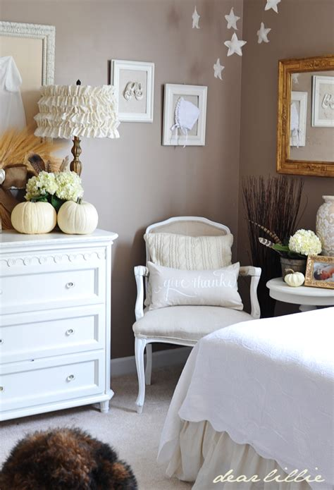 lolas room dear lillie lola s room for fall and winner of the wreath