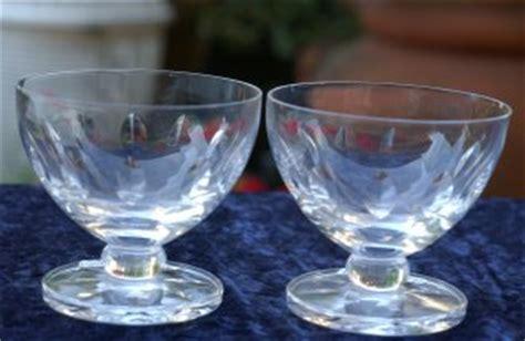 bicchieri lalique vetri vassoi centrotavola e vasi liberty e da collezione