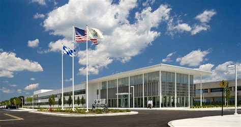 rolls royce america headquarters bmw na we re not moving our hq to carolina