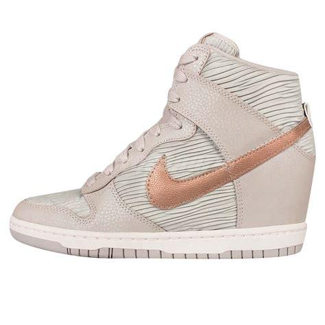 Sneakers Wedges Nike Sky High Dunk Grade Ori wmns nike dunk sky hi light bone bronze womens wedge sneakers shoes 528899 013