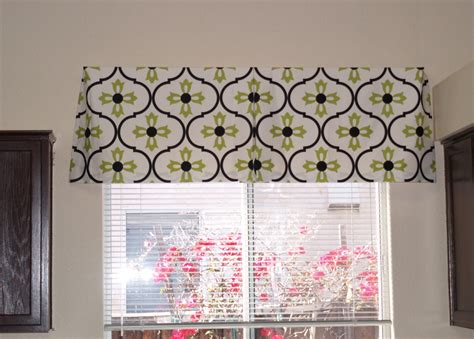 how to make kitchen curtains and valances the reluctant make your own box pleat valance