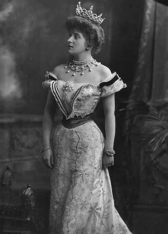 Almina Victoria Marie Alexandra Dennistoun (Wombwell