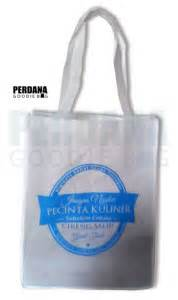 Kain Spunbond Makassar harga goodie bag kain tas kanvas tas blacu perdana