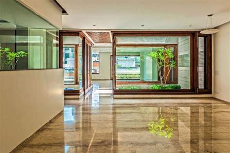 Flachdach Haus mit Hof   zeitgemäße Architekturlösungen