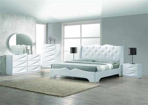 contemporary california king bedroom sets madrid 5 pcs modern off white california king bedroom set