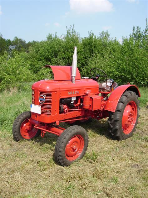 volvo tractor file volvo t24 tractor jpg wikimedia commons