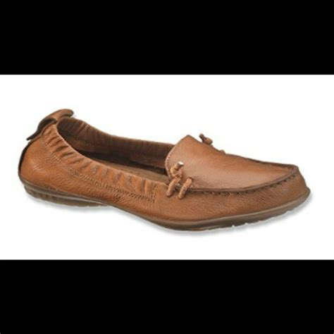 89 off hush puppies shoes hush puppies ceil slip on