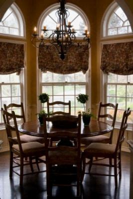 traditional dining area with bay window traditional dining room bay window house design ideas