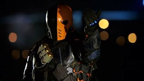 manu bennett thinks arrow took deathstroke in the wrong