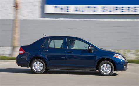 old nissan versa 2009 nissan versa sedan view photo 4