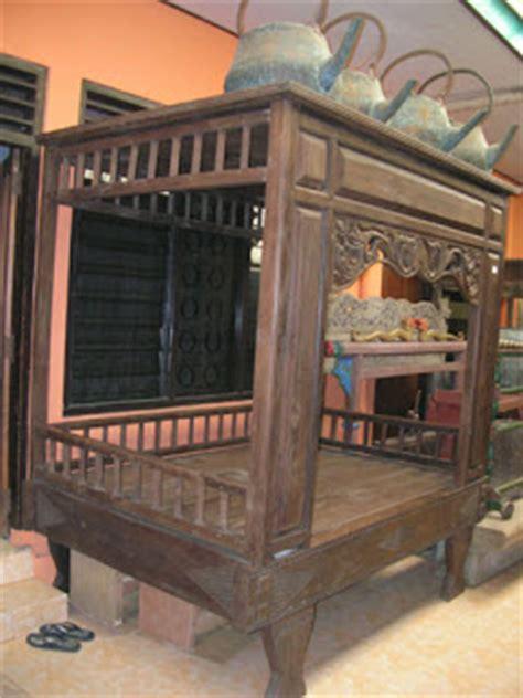 Tempat Tidur Besi Kuno by Kami Anak Malaysia Kraftangan Malaysia
