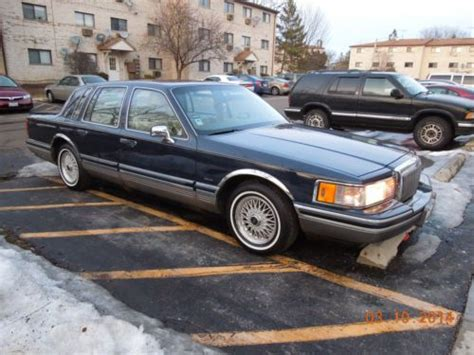1991 lincoln town car mpg find used 1991 lincoln town car signature sedan 4 door 4