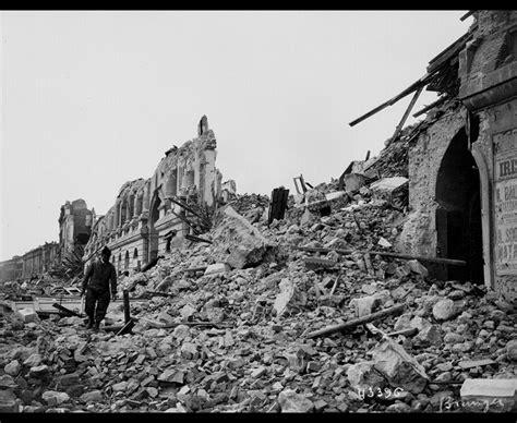 earthquake los angeles breaking earthquake rocks los angeles as witnesses report