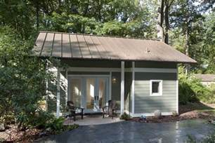 Cottage House Plans With Garage by A Bright And Spacious Little Backyard Cottage Art Design