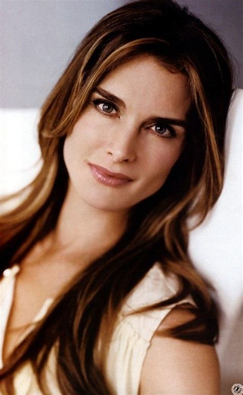 eyebrow trends for mid age women 25 best ideas about brooke shields eyebrows on pinterest