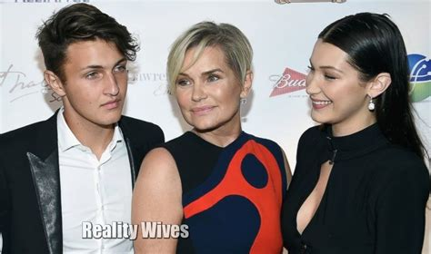 yolanda foster bangs 2015 yolanda foster s battle with amber marchese has been diagnosed with lyme disease amid