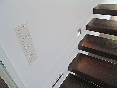 treppenspots led auf diesem bild sieht die freitragenden treppe die